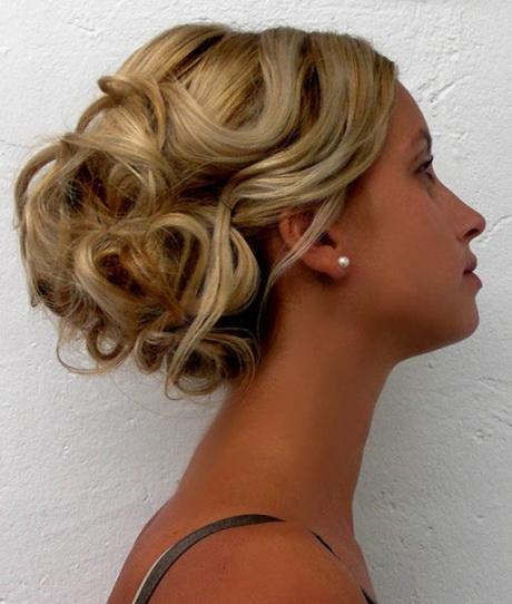Acconciatura capelli donna