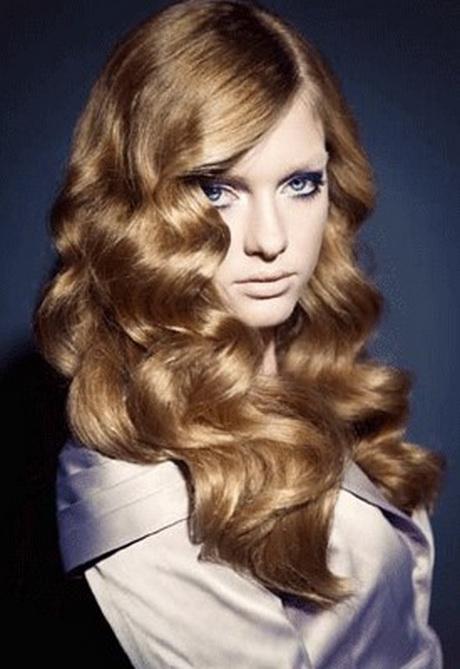 Acconciature boccoli capelli medi
