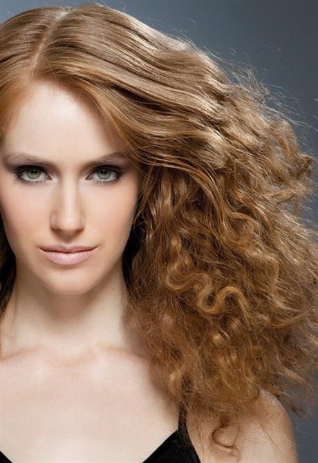 Nuovi tagli di capelli corti ricci
