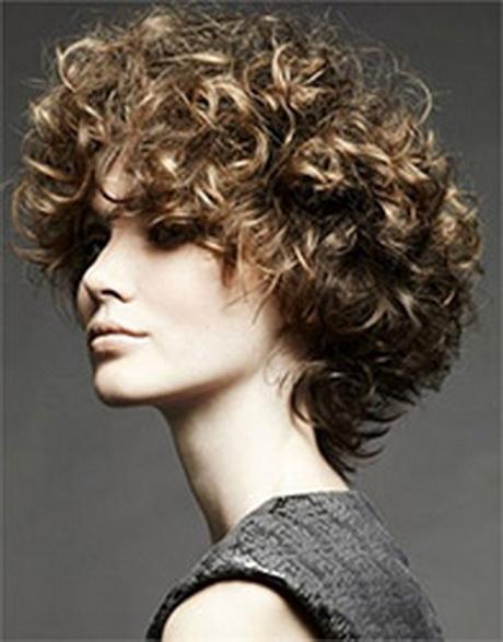 Permanente su capelli corti