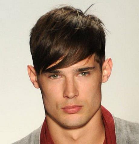 Taglio capelli uomo 2013 con ciuffo sulla fronte. Taglio capelli uomo
