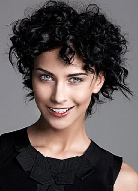 Tagli capelli corti ricci 2015 donne