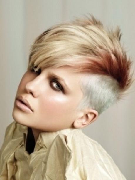 Come rafforzare la mescolanza di capelli di oli