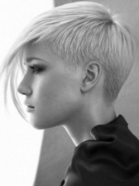 Tagli di capelli corti con ciuffo lungo