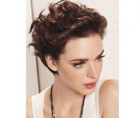 Tagli per capelli mossi corti