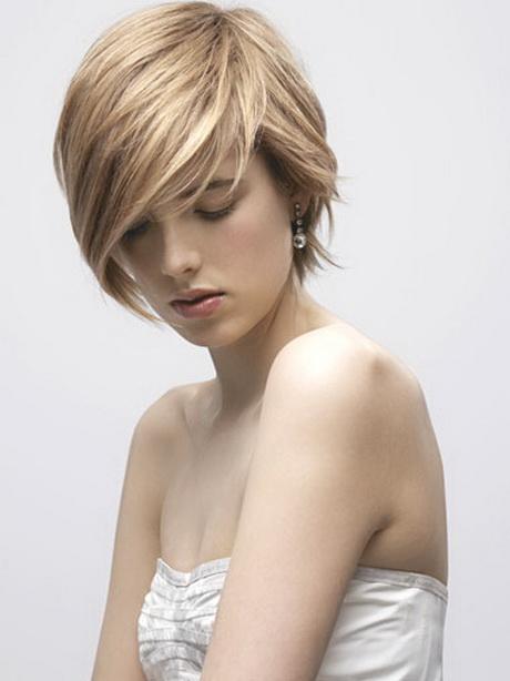 Taglio di capelli corti femminile