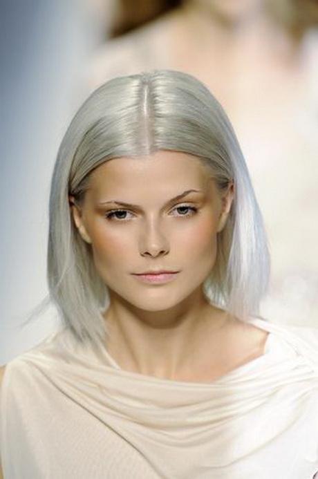 Donne con capelli grigi