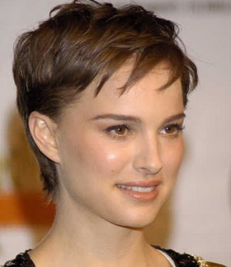 Taglio capelli corti donne cinquantenni