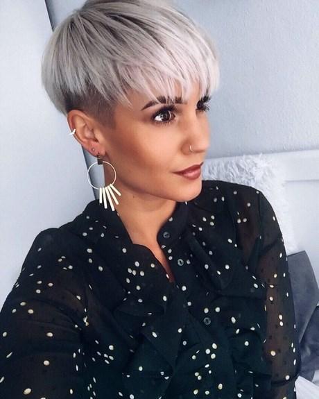 Taglio capelli corti 2020 foto