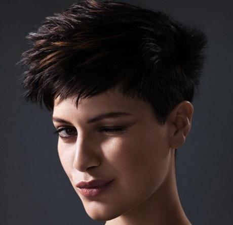 Taglio capelli ragazze basse