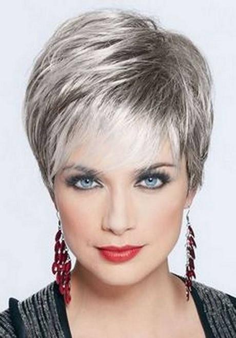 Tagli capelli corti over 50