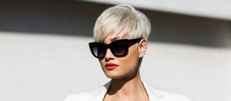 Tagli capelli corti per 50 anni