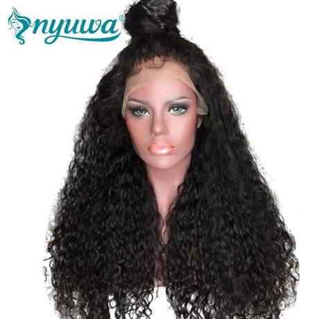 Donne con capelli ricci
