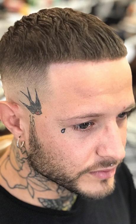 Tagli di capelli corti maschio