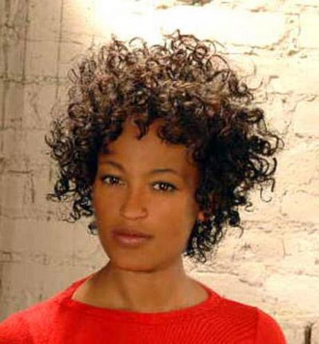 Acconciature capelli ricci afro