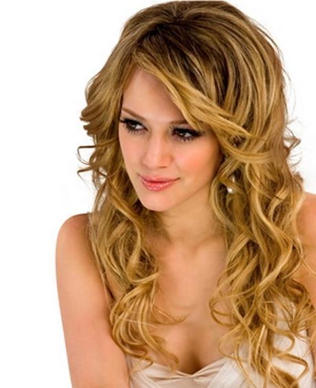 Acconciature capelli ricci lunghi x ragazza