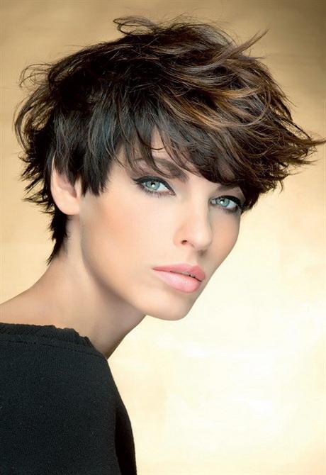 Tagli capelli 2015 corti donna