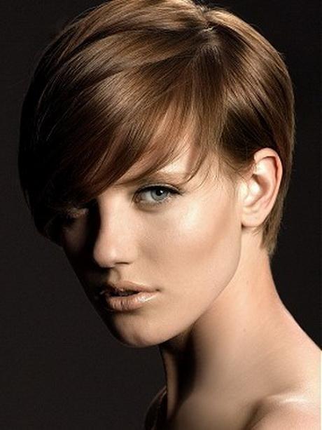Tagli capelli rasati donne