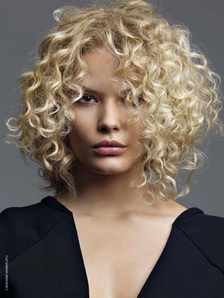 Tagli capelli ricci donna