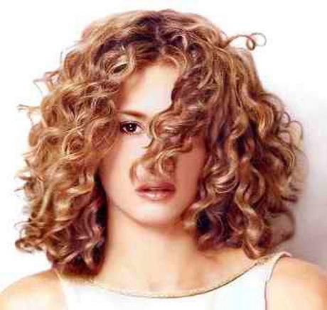 Tagli capelli ricci media lunghezza