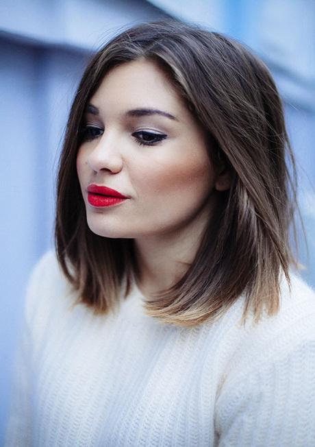 Taglio capelli donna lunghezza media