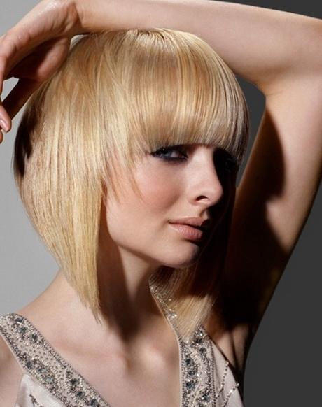 Taglio capelli donna medio