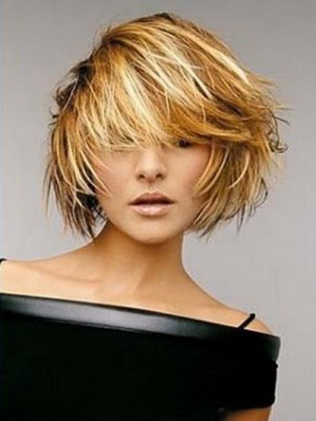Taglio di capelli moderno