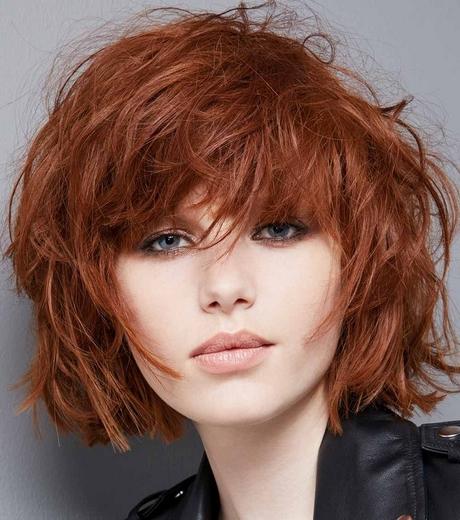 taglio capelli corti mossi