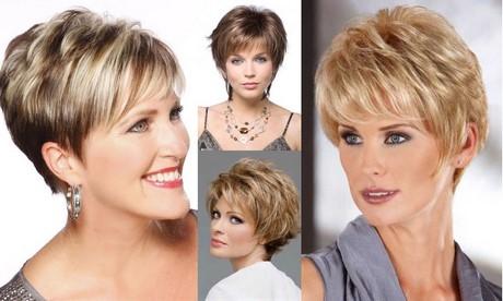 Tagli capelli corti per signora 50 anni