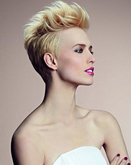 capelli corti tagli particolari