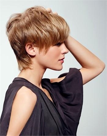 Tagli capelli corti moderni